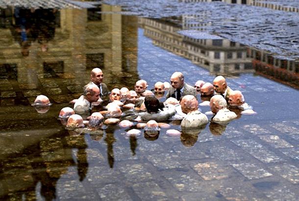 Escultura do artista plástico Isaac Cordal ilustra a discussão do acordo do clima (Imagem: Divulgação)